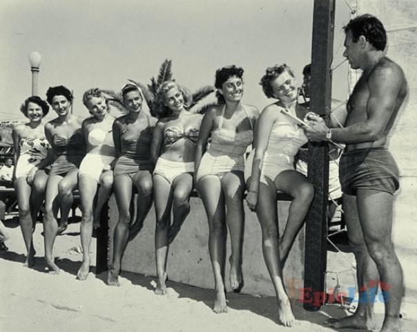 пляж мускулов